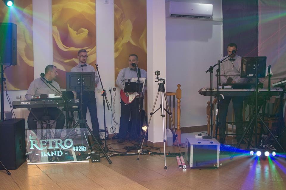 RETRO 432Hz – Zespół weselny, kapela na wesele, orkiestra – Niedźwiada Duża, Wąwolnica, Nałęczów, Zagłoba, Słotwiny,