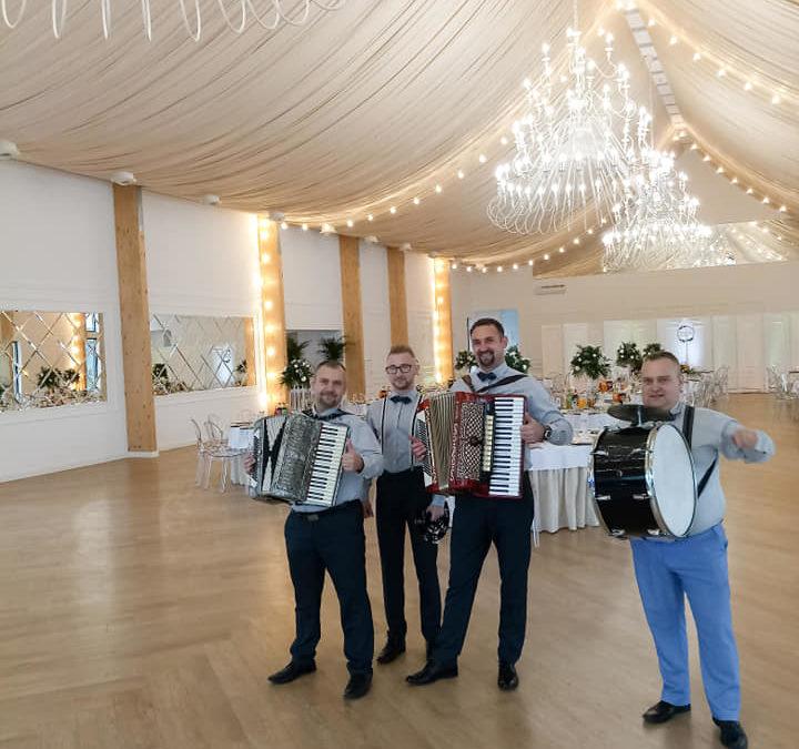 Zespół weselny RETRO BAND Puławy Dęblin 🎥🎧 Małolatki – MiłyPan – NEW 2019 !!! Zespół na wesele